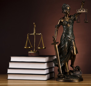 stockfresh_2611154_antique-statue-of-justice-law_sizeS_b2b8fe